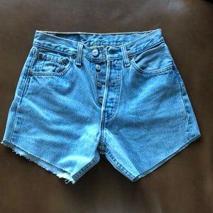 Vintage Levi's shorts!